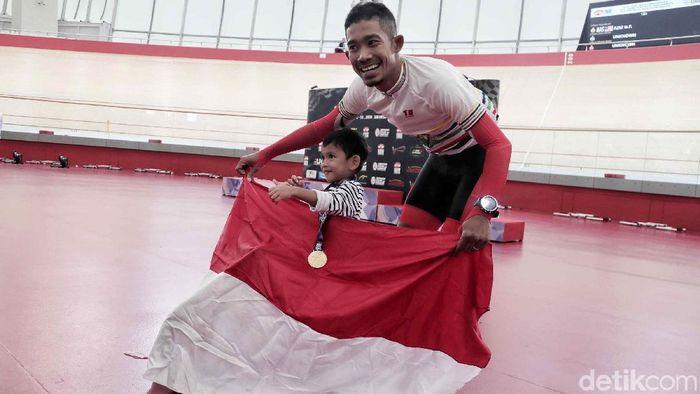 M Fadli meraih medali emas untuk Indonesia (Pradita Utama/detikSport)