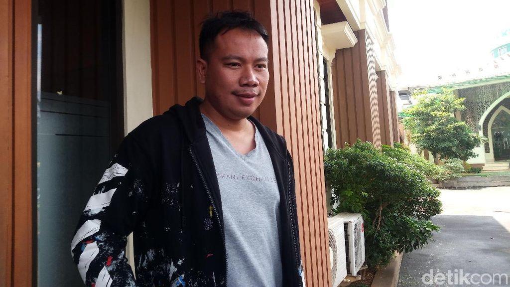 Kasus dengan Angel Lelga, Vicky Prasetyo Sambangi Kejari Jakarta Selatan