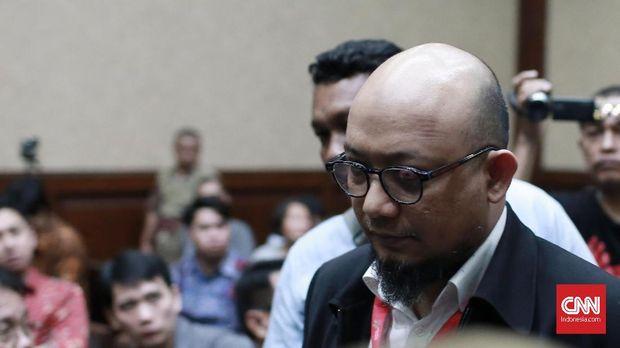 Penyidik senior KPK Novel Baswedan menjadi saksi fakta dalam persidangan Lucas, di Pengadilan Tindak Pidana Korupsi (Tipikor) Jakarta, 10 Januari.
