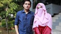 Lucky Hakim membuat sayembara untuk menemukan mantan pegawai yang menipunya. Foto: Ismail/detikFoto