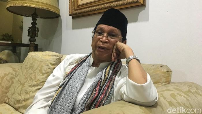 Mantan Menpora dr Abdul Gafur