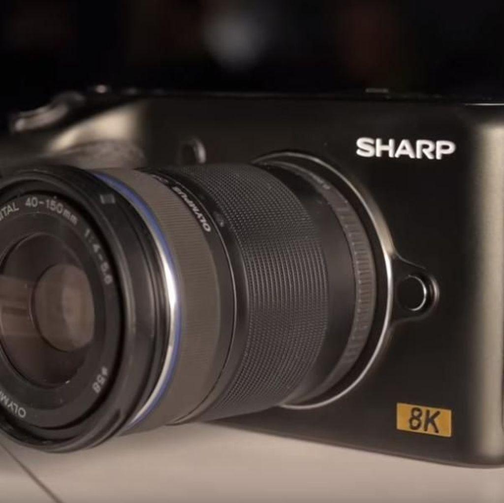 Sharp Bikin Kamera Mirrorless 8K