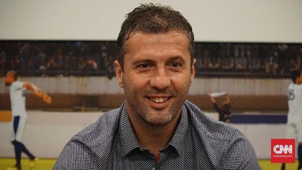 Miljan Radovic sangat senang dengan kemenangan telak Persib 7-0 atas Persiwa. (