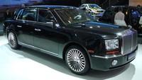 Geely GE adalah hasil fotocoopy dari Rolls-Royce Phantom. Diperkenalkan pertama kali pada tahun 2010 dalam bentuk konsep, Geely GE kemudian mulai berproduksi pada 2014. Pool/Istimewa.