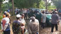 Mobil Pencuri Dirusak Massa Usai Gagal Gasak Dua Ekor Sapi Limosin