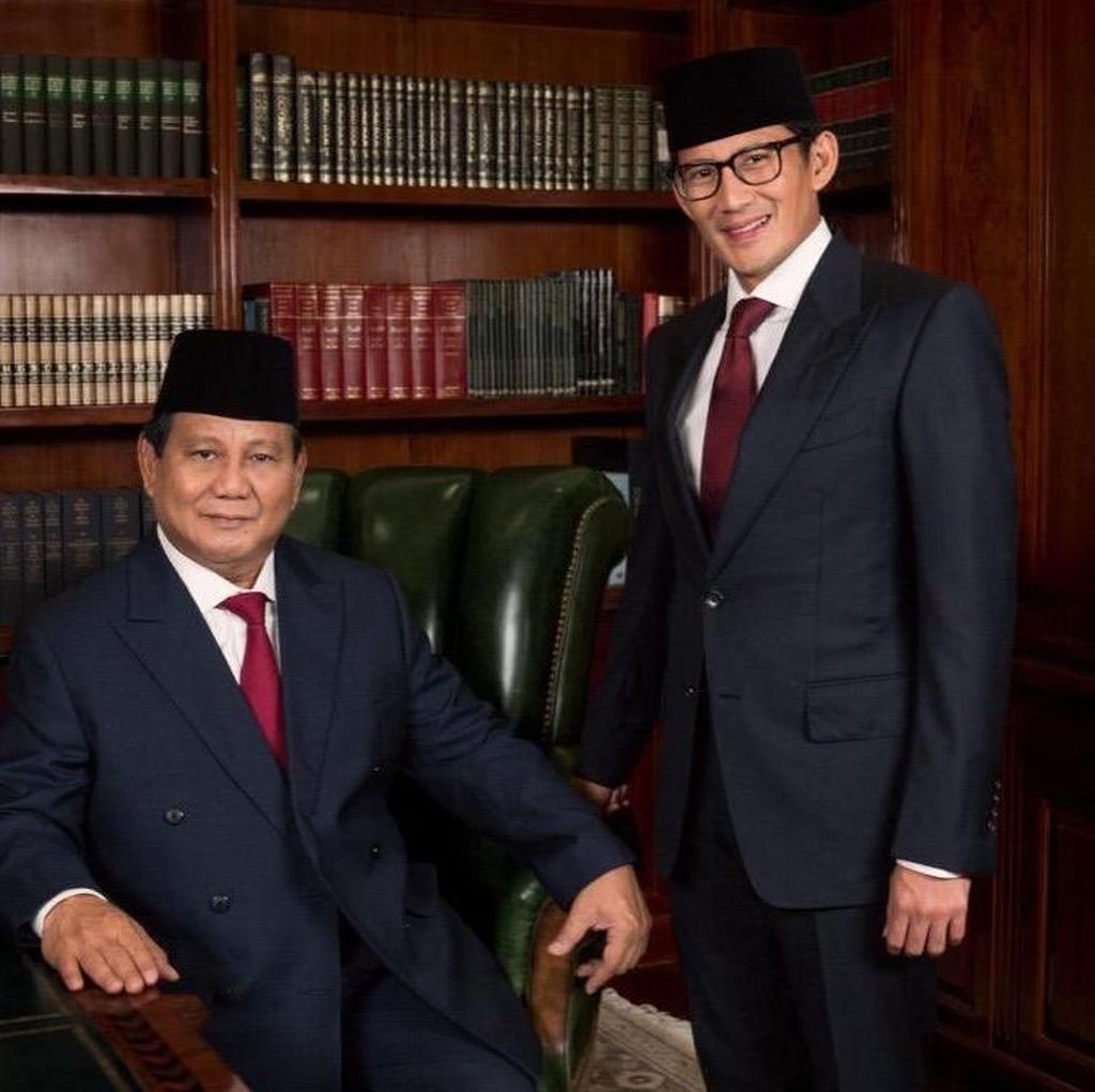 Maruf Pakai Sarung, Prabowo-Sandi Kenakan Jas di Debat Pilpres
