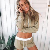 Pose Shmile, Foto Senyum Sambil Merem yang Tren di Instagram