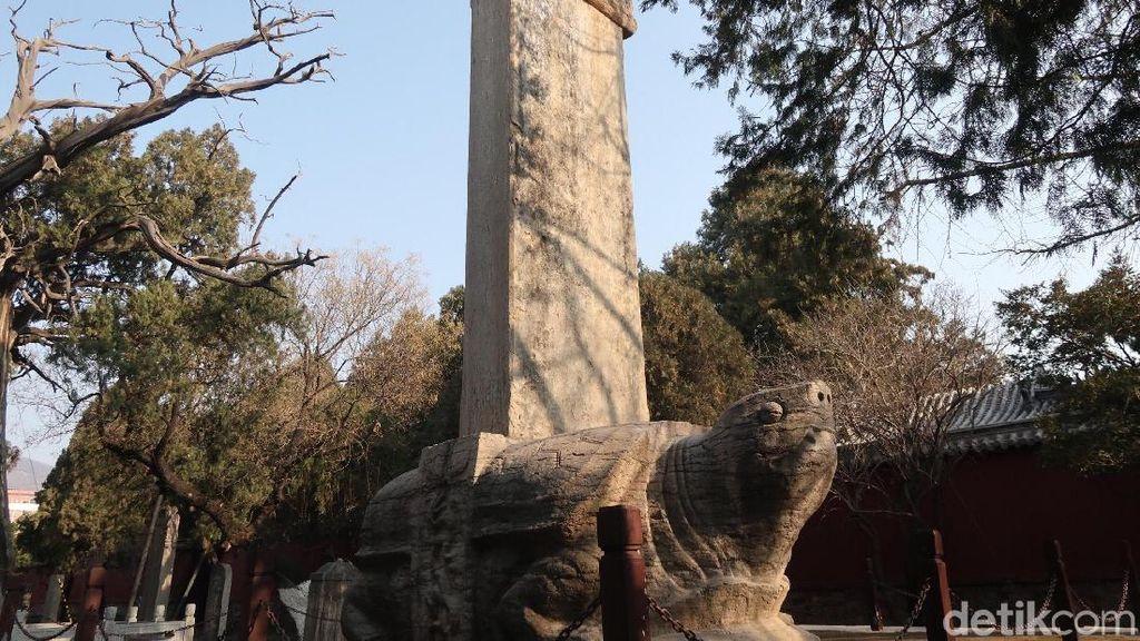 Foto: Patung Bi Xi Pembawa Kekayaan di China