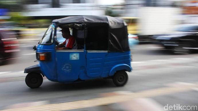 Era digital memungkinkan teknologi merambah ke semua sendi perekonomian negara, termasuk transportasi. Sudah ada taksi dan ojek online, kini hadir bajaj online.