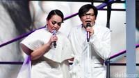 Keduanya membuat konser bertajuk 1 Hati 1 Cinta untuk merayakan ulang tahun pernikahannya itu.Pool/Noel/detikFoto.