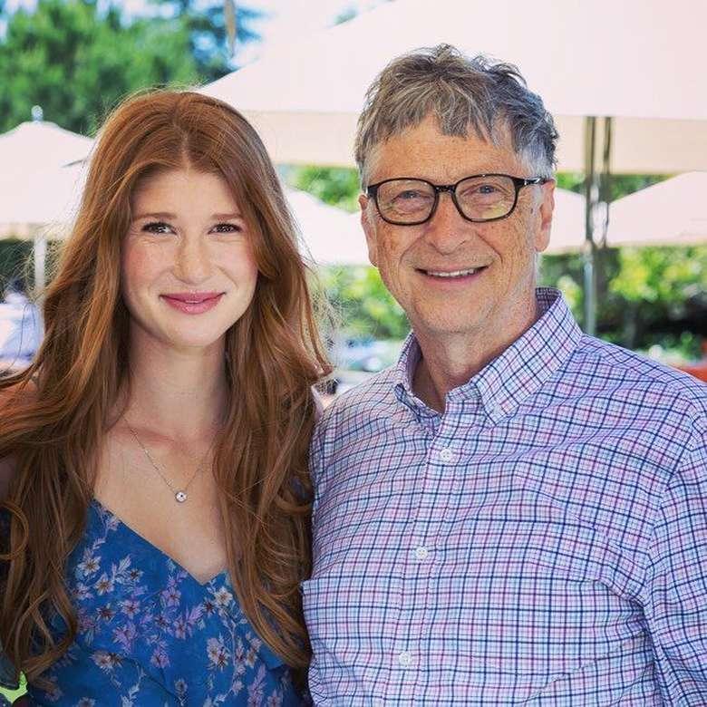 Jennifer Gates lahir pada tahun 1996, dan merupakan putri tertua dari Bill Gates, salah satu orang terkaya di dunia dan merupakan pendiri Microsoft. Foto: Instagram @jenniferkgates