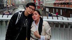 7 Momen Romantis Keluarga Personel Band Gigi