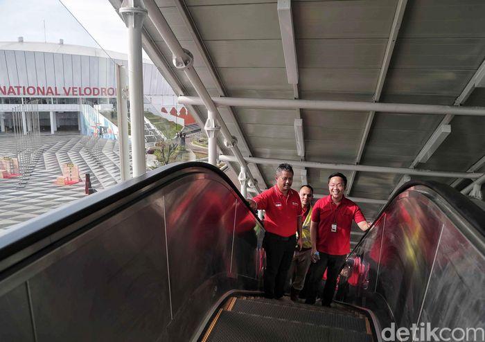 TransJakarta dan LRT Jakarta menjalin kerja sama dalam pengintegrasian transportasi. Integrasi tersebut dilakukan dengan menghubungkan Stasiun LRT Velodrome Jakarta Timur dengan Halte Transjakarta Pemuda Rawamangun.