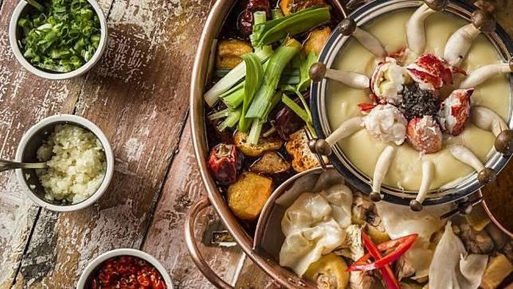 Wouw, Kuah Hot Pot Ini Diracik dengan Alpukat, Alkohol hingga Darah Babi!