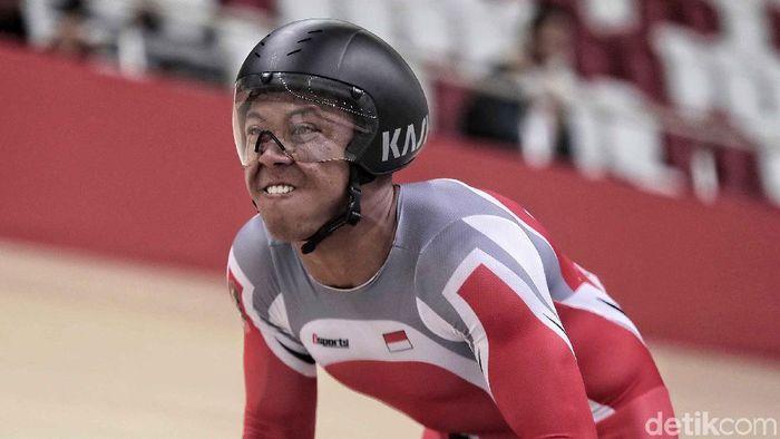 Pebalap sepeda Indonesia Terry Kusuma tampil dalam final men elite 1km dalam perebutan medali emas di event Asian Track Championship, Jakarta International Velodrome, Jumat (11/1/2019). (Pradita Utama/detikSport)