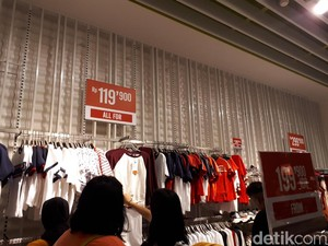 Bershka Gelar Sale, Celana Jeans Mulai dari Rp 179 Ribu