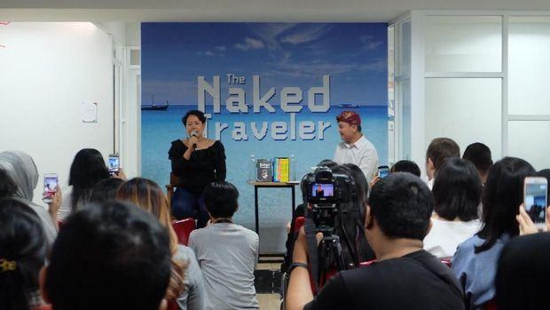 Akhiri Buku 'The Naked Traveler', Trinity Jumpa Pembaca Setianya