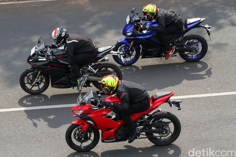 Adu Fitur Dan Harga Honda Cbr250rr Vs Kawasaki Ninja Vs