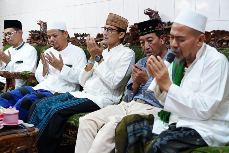 Di Pesantren Rembang, Sandi Janjikan Pemberdayaan Ekonomi Umat