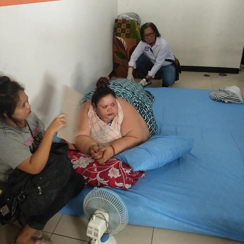 Pasca-operasi, Tim Dokter Pantau Makanan Titi Wati 220 Kg