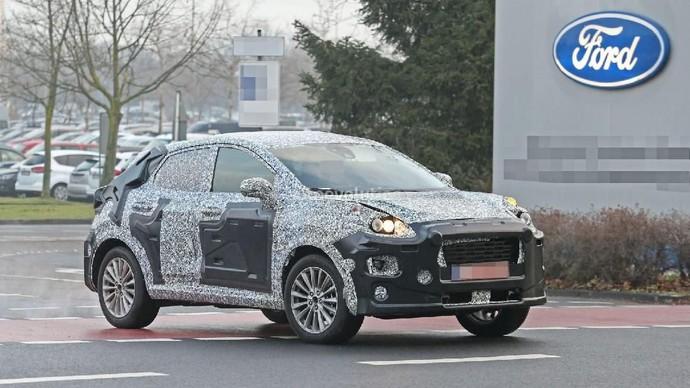 Ford mengubah tampilan Fiesta yang sebelumnya berbekal hatchback, kini menjadi Small SUV-Coupe. Foto: Pool (autoevolution).