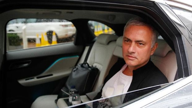 Usai dipecat Man United, Mourinho kini menjadi pakar di stasiun televisi.