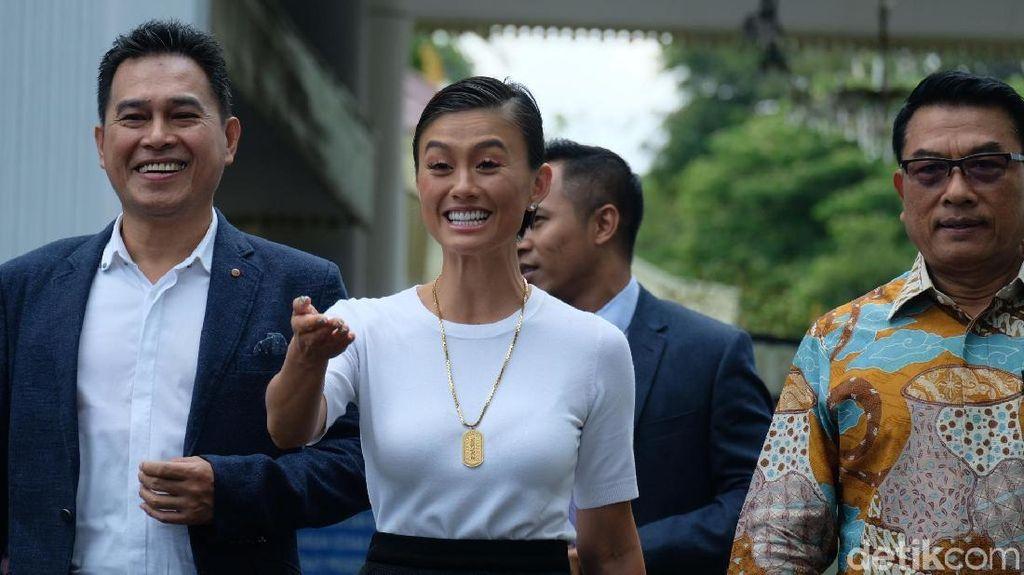 Kagetnya Agnez Mo saat Jokowi Tanya soal Go International