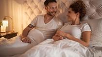 Ternyata 5 Posisi Tidur Ini Ungkap Hubungan dengan Pasangan