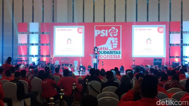 Pidato Politik, Grace Natalie Ungkit Kebohongan Prabowo-Sandi