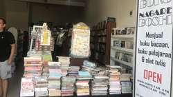 Razia Buku Memenjarakan Nalar Intelektual