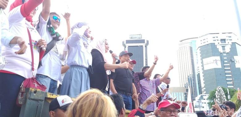 Moeldoko Bareng Angel Lelga Bersih-bersih Hoax dengan Poros Benhil
