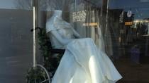 Foto: Pamerkan Maneken Berkursi Roda, Butik Gaun Pengantin Tuai Pujian