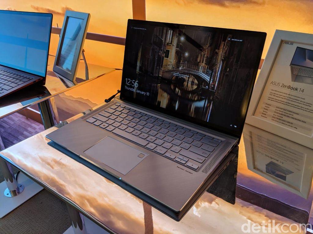Laptop ini menyuguhkan layar yang begitu lapang berkat bezel yang tipis. Foto: Adi Fida Rahman/detikINET