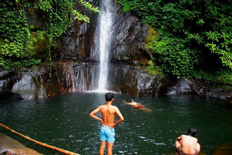 Destinasi wisata alam Malino di Gowa, Sulawesi Selatan, memiliki air terjun mempesona, namanya Air Terjun Biroro di Kelurahan Bontolerung, Kecamatan Tinggimoncong, Gowa. (Muhammad Bakri/detikTravel)