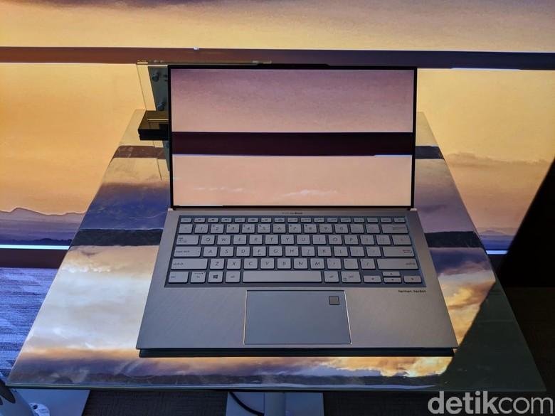 Notebok pertama Zenbook Sa13. Foto: Adi Fida Rahman/detikINET