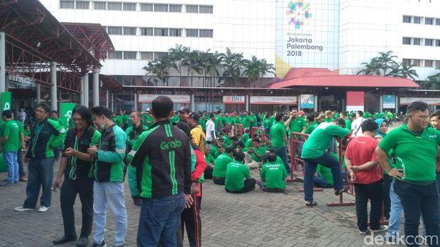 Sopir transportasi online kumpul bareng Jokowi