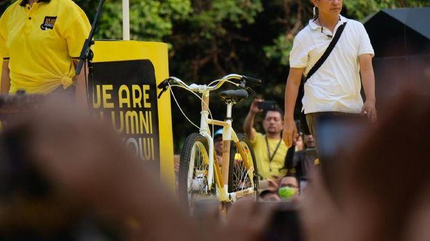 Sepeda bambu atau bamboobike yang dipakai Jokowi.