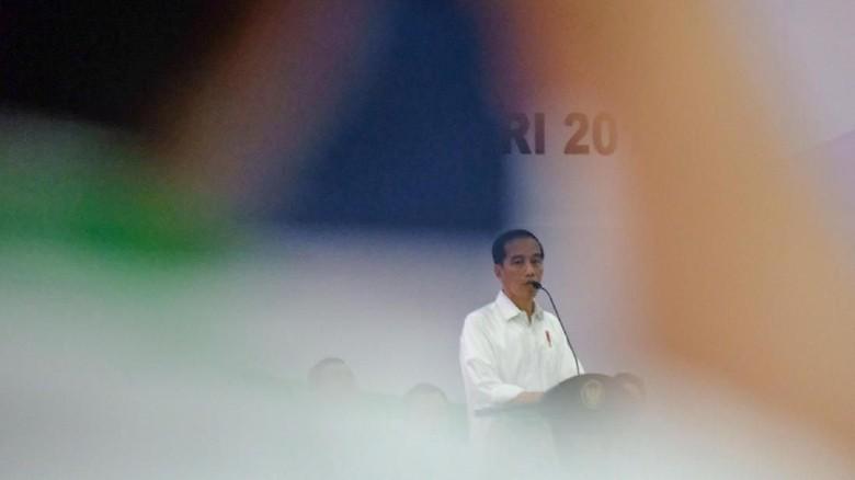Jokowi: Jangan Sampai Kita Diaduk-aduk Politikus
