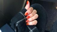 Alasan Romantis Cewek-cewek Korea Pakai Henna Warna Oranye