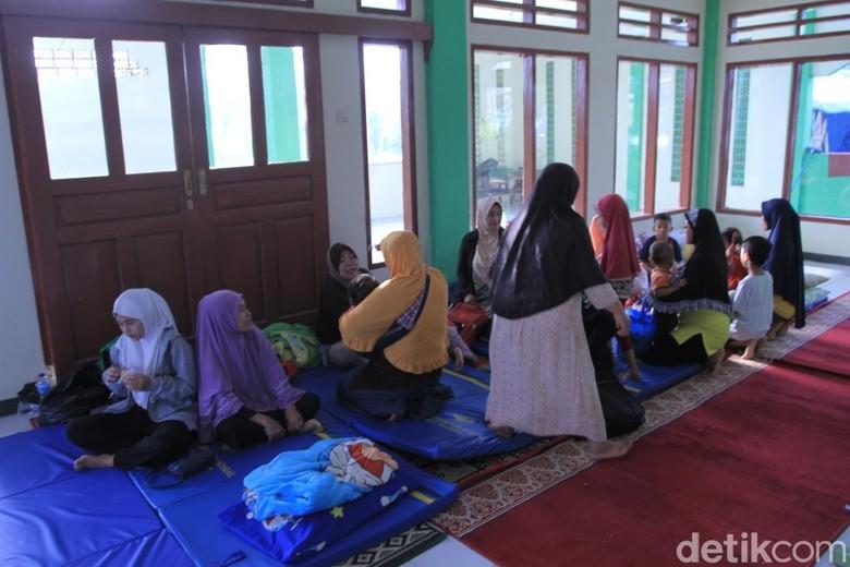 Ratusan Warga Korban Puting Beliung Rancaekek Mengungsi