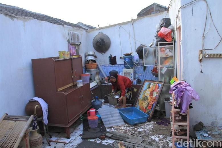 Detik-detik Puting Beliung Luluhlantakkan Ratusan Rumah di Rancaekek