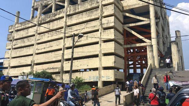 Pembangunan shelter tsunami Labuan mangkrak setelah dikorupsi.