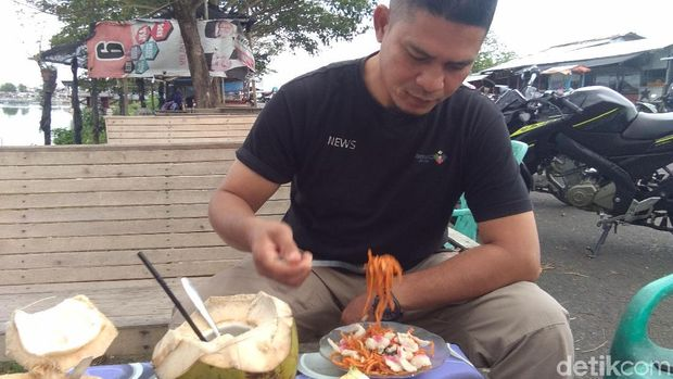 Sore Hari di Aceh Paling Asyik Wisata Kuliner Mie Caluek