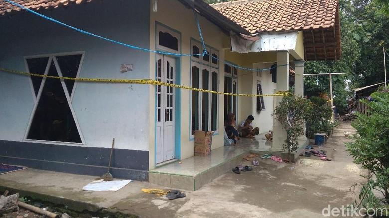 Polisi Masih Dalami Motif Tukang Becak Bunuh Tetangganya di Cirebon