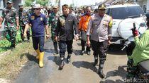 Kunjungi Lokasi Puting Beliung, Bupati Bandung: Bantuan Sudah Turun