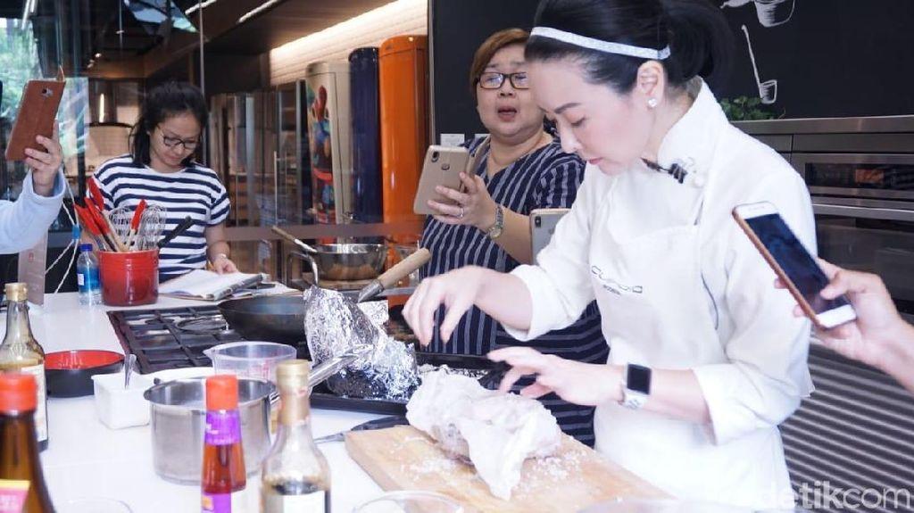Seru Bertanya Jawab Dengan Chef dan Mencicipi Masakan hingga Puas