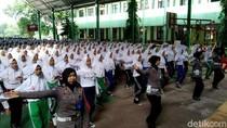 Ribuan Milenial di Cirebon Komitmen Tertib Berlalu Lintas