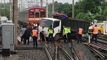 Ada Truk Anjlok di Rel, KRL Lintas Bogor Terganggu