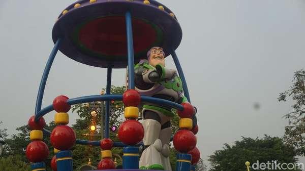Mengintip Serunya Mickey #1Fan Jalan-jalan di Disneyland Hongkong