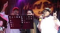 Budi Karya-Retno Marsudi Nyanyi di Deklarasi Perhimpunan Profesi Pilot Pro-Jokowi